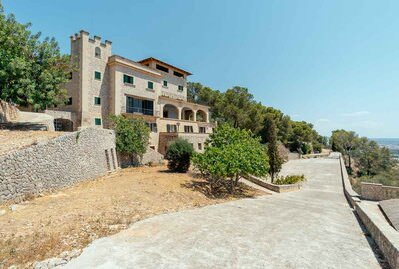 splendid-historical-property-800-sm-overlooking-palma-with-lots-of-character-palma-de-house-10745892
