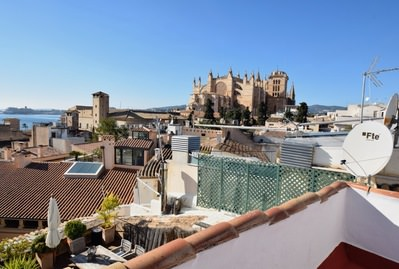 precious-completely-reformed-2-bedroom-apartment-palma-old-town-palma-de-apartment-9247740
