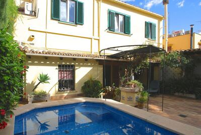 characteristic-townhouse-with-garden-and-pool-in-palma-de-mallorca-terraced-house-9247531