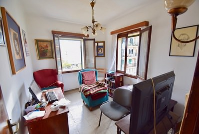 very-bright-bargain-apartment-to-reform-in-stcatalina-70-sqm-3-bedroom-palma-de-apartment-13424276