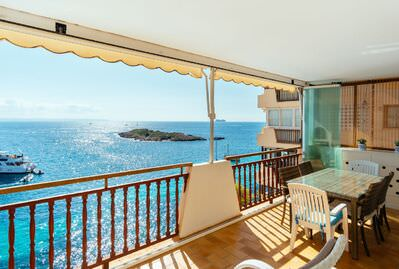 first-line-with-outstanding-panoramic-views-over-the-bay-of-palma-calvia-apartment-12880060