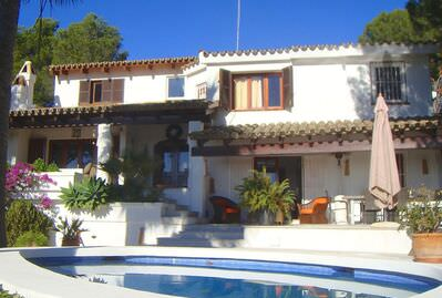 meditarrenean-villa-on-an-exclusive-hillside-palma-de-mallorca-house-9247565