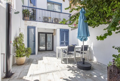 beautiful-typical-house-in-the-picturesque-fishermens-quarter-of-portixol-in-exclusive-with-bconnected-and-holiday-license-palma-de-house-13867711
