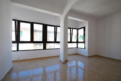 great-opportunity-to-refurbish-next-to-the-santa-catalina-market-palma-de-apartment-9247586