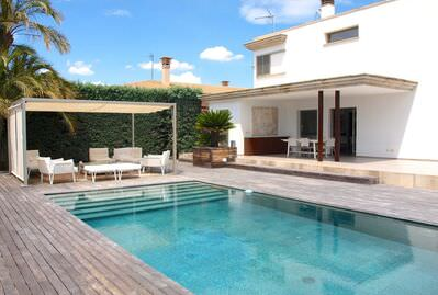 beautiful-house-with-a-private-pool-in-sa-rapita-campos-house-9247378