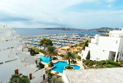 extraordinary-penthouse-2-beds-stunning-sea-views-over-puerto-portals-own-pool-calvia-apartment-11907085