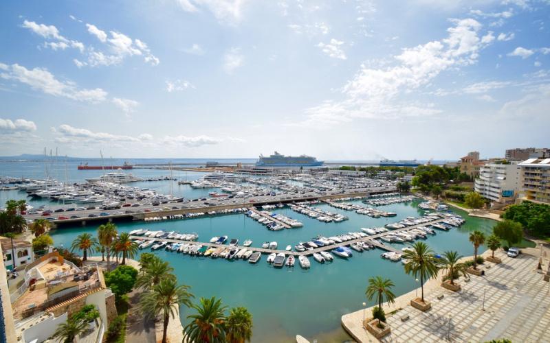 a-beautiful-apartment-with-sea-and-harbour-palma-de-mallorca-apartment-9247625