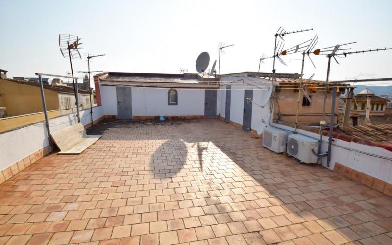 beautiful-old-town-apartment-3-beds-2-bath-poss-palma-de-mallorca-apartment-9247448