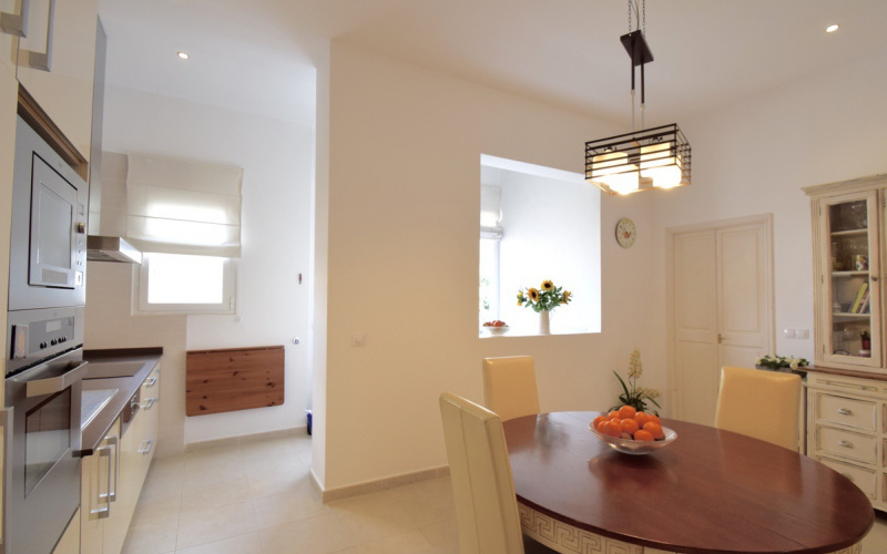 stunning-old-character-and-modern-living-in-palma-de-mallorca-apartment-9247424